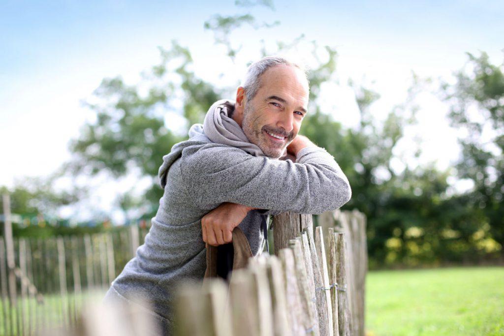 Comunicato Stampa di Ticket To Love per la Festa di San Faustino: uomo single sorridente